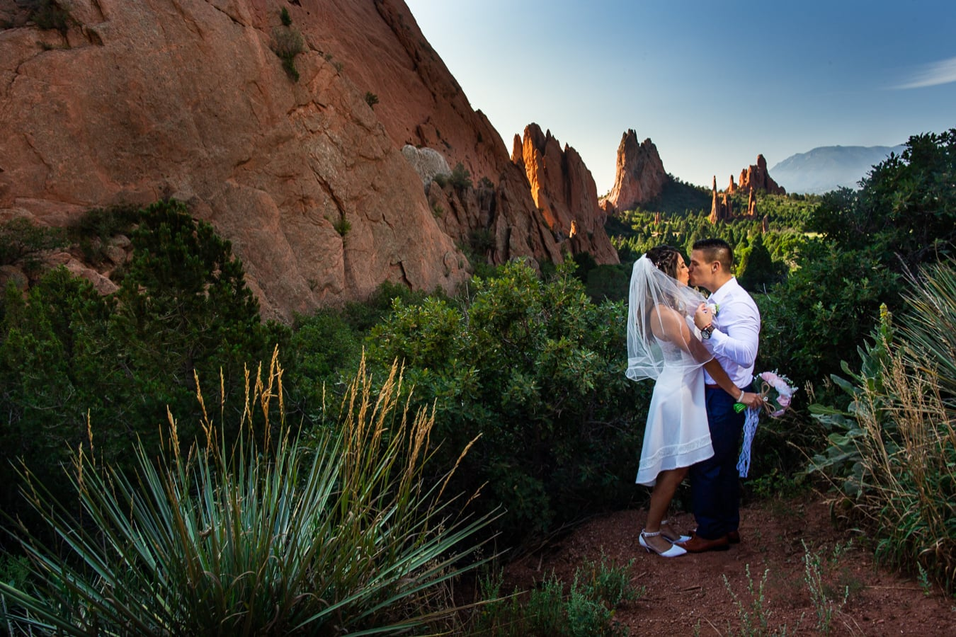 Garden Of The Gods Elopement – Colorado Elopement Photographer