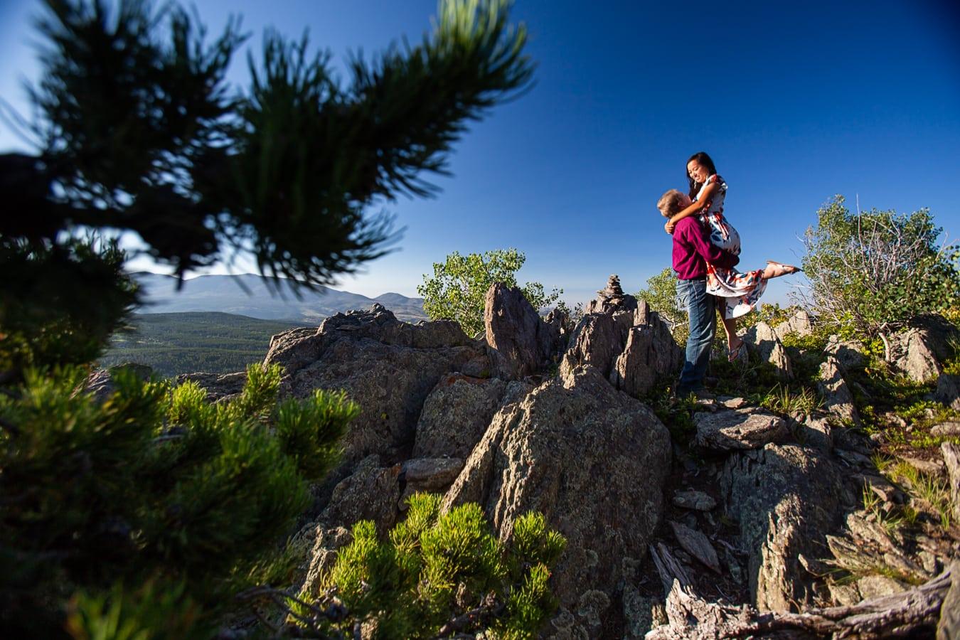 Mountain Engagement Photos – Colorado Engagement Photographer